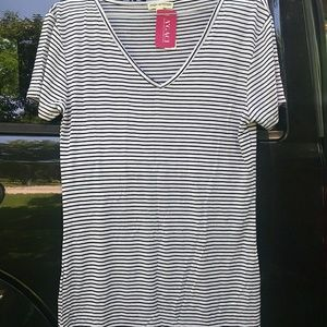 191 Unlimited Tops - Black and white stripped t-shirt. Thin material.