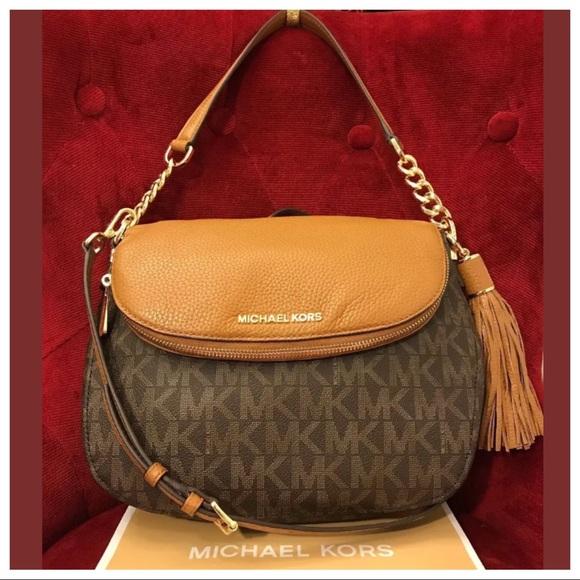 af370947e687 Michael Kors Bags | Nwt Mk Bedford Md Tassel Shouldercrossbody Bag ...
