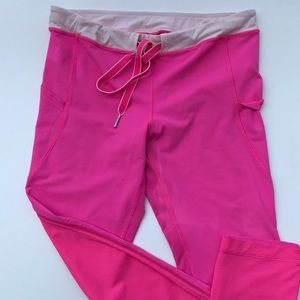 Lululemon Pink Crop Leggings Side Pocket 4