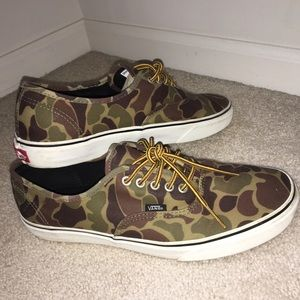 45312b89611140 Vans Shoes - Men s Size 11 Camo Vans Shoes (worn once)