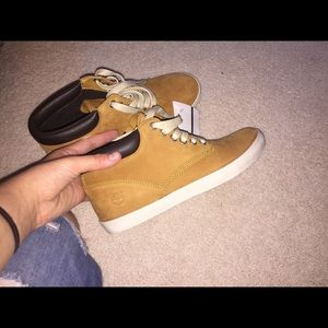 Timberland Shoes - barely used timberland boots