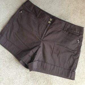 White House Black Market Pants - Brown cuffed WHBM shorts