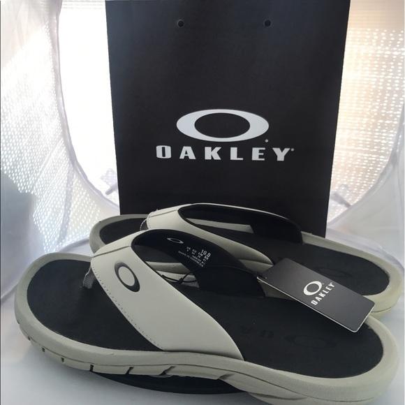 61ffee905 New oakley men sandals