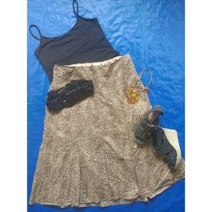 liz & me Dresses & Skirts - Leopard print trumpet hem skirt