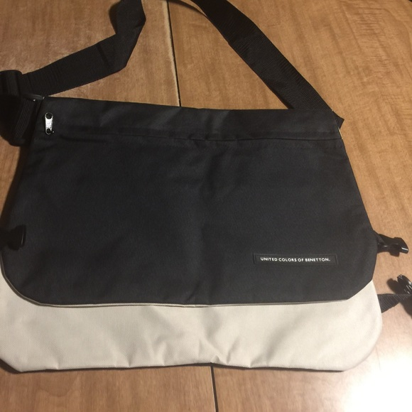 b7c14dfc1b1ce United Colors Of Benetton Bags