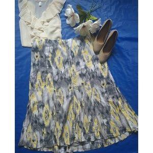liz & me Dresses & Skirts - Abstract Print Trumpet Skirt