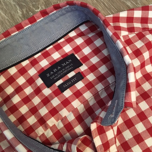 60 off zara other zara man button down shirt red plaid from its the little things 39 s closet. Black Bedroom Furniture Sets. Home Design Ideas