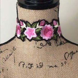 Jewelry - 🌹Pink Flowers 🌸 Choker🌹