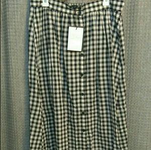 WHO WHAT WEAR Dresses & Skirts - nwt / midi skirt
