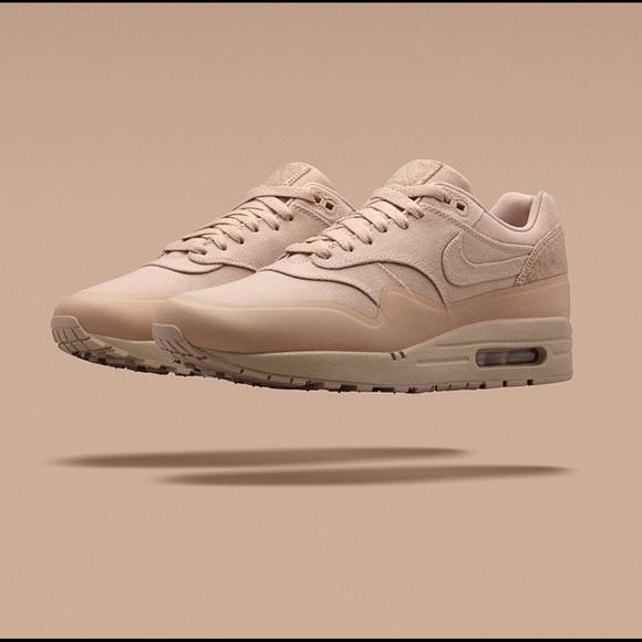 timeless design d7d30 c446d Nike Air Max 1