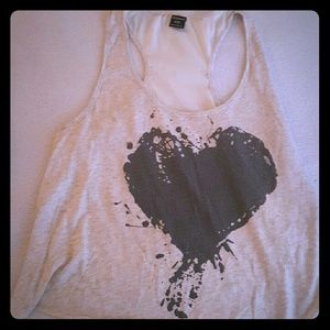 Stranded Tops - Tank top with black heart