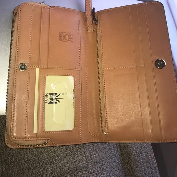 Tusk Leather 107