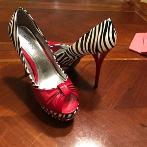 2bamboo Shoes - Black and white zebra print heel with red accents!
