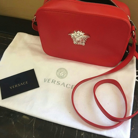 f37a64530834 VERSACE Red Palazzo Cross body Bag
