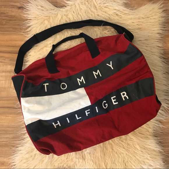 ec1b70611ffd Vintage Tommy Hilfiger canvas duffle bag. M 594dc400d14d7b295d002e0c