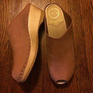 No. 6 Shoes - No. 6 Old School peep toe clogs, med heel, blush