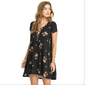 Amuse Society Dresses & Skirts - Amuse Society Ludlow dress in black sands