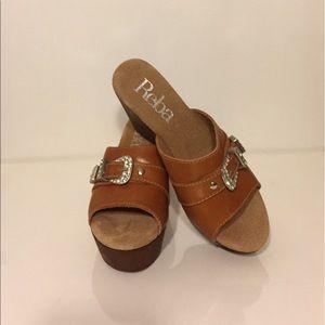 Reba Shoes - Reba wedges Tan sz 7 NWT Cumfy!!