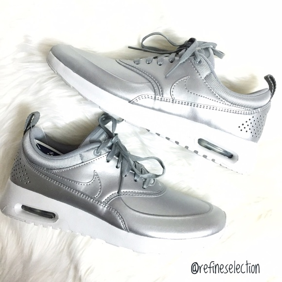 new arrival cd3aa 21fba Nike Air Max Thea SE Metallic Silver Sneakers