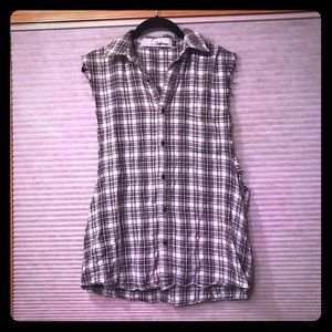 The Laundry Room Tops - Plaid Sleeveless Button Down