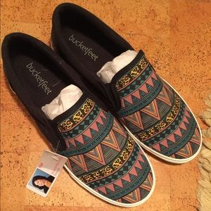 "Bucket Feet Shoes - NEW Bucketfeet ""Tribal"" Black Women's Sz 8 w/ tags"