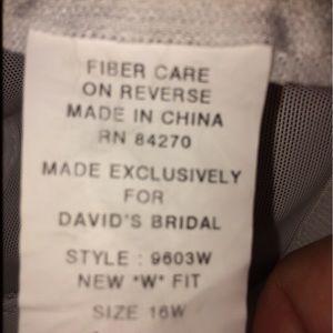 91d5440242 David s Bridal Intimates   Sleepwear - David s Bridal Plus Size A-Line Med.