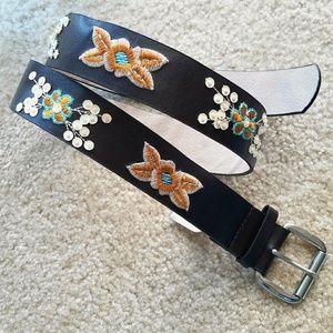 Sonoma Accessories - 🆕 Boho Floral Embroidered Brown Leather Belt