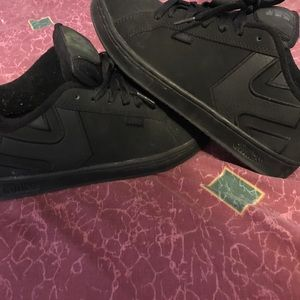 Etnies Other - Black dc like tennis shoes