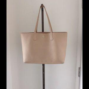 af193d70788 Tory Burch Bags - Tory Burch Perry Oak Pebble Leather Tote Handbag