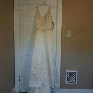 Mori Lee Dresses & Skirts - Mori Lee BLU NWT WEDDING DRESS !!!!