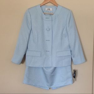Le Suit Dresses & Skirts - Le Suit Light Blue Skirt Suit