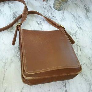 Coach Handbags - BROWN LEATHER COACH SHOULDER BAG PURSE VINTAGE