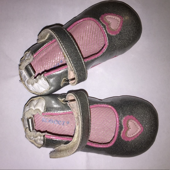 Robeez Size Shoes with FREE Shipping & Exchanges, and a % price guarantee. Choose from a huge selection of Robeez Size Shoes styles.