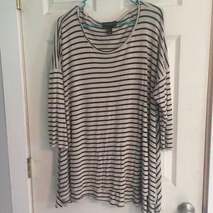 FOREVER 21 PLUS Tunic Size 2X Faith 21