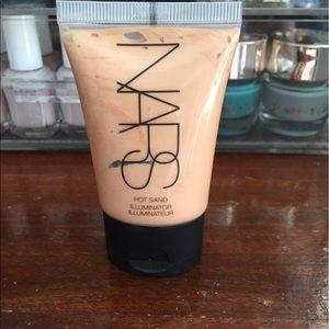 NARS Other - New NARS illuminator in Hot Sand