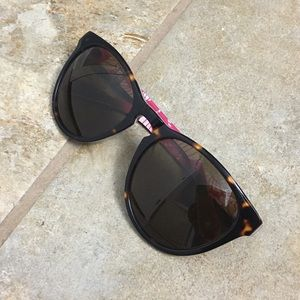 Sperry Accessories - Sperry sunglasses with pink pattern accent