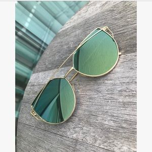 Accessories - Mirror cat eye sunnies