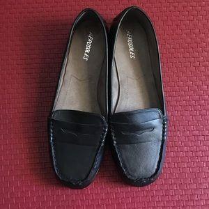 AEROSOLES Shoes - AEROSOLES Black Leather Loafers/ Itzel 10 NWOT