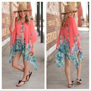 1 LEFT💓Summer Fun Floral Coverup