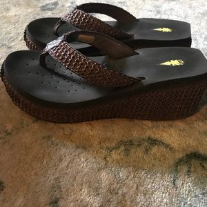 Volatile Shoes - Volatile flip flops! Super cute ❤️