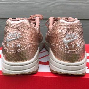 Rare Nike Air Max 1 Premium in Python Rose Gold