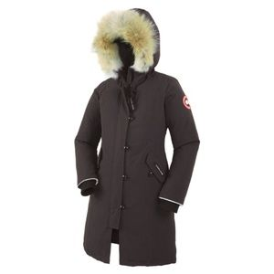 Canada Goose Jackets & Blazers - Authentic Canada Goose Brittania Parker kids L