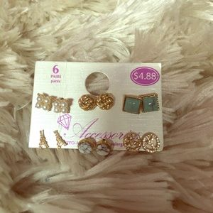 Accessorize Jewelry - 6 Pairs of earrings!
