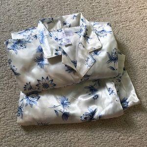 cabernet Other - Never worn! Silky pajama set!