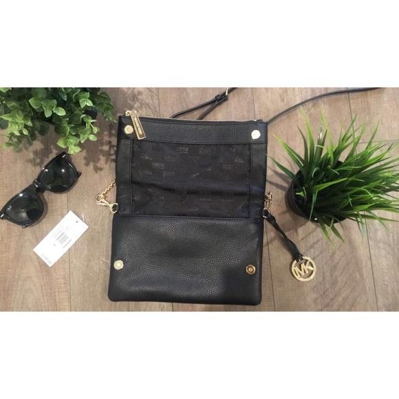SALE NWT Michael Kors purse 56% off Michael Kors Handbags - SALE NWT Michael Kors purse from ! bre⚡️top 10%'s closet on Poshmark - 웹