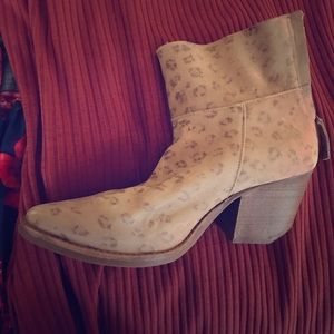 Matisse Shoes - Cheetah print ankle boots. BRAND NEW!