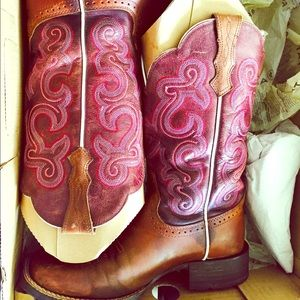 Ariat Shoes - Women's Ariat boots