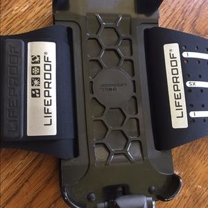 LifeProof Accessories - Life proof arm band for iPhone 5