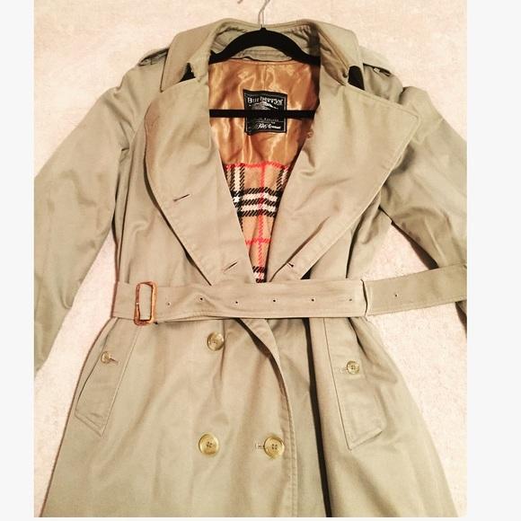 a1791026bbe034 Burberry Jackets & Blazers - SALE! Vintage Women's Burberry Prorsum Trench  Coat