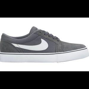 🥂Host Pick🥂  Nike SB Sneakers